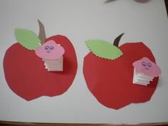 apples and worms! Fall Preschool, Preschool Crafts, Diy For Kids, Crafts For Kids, Back To School Art, Fruit Crafts, Hummingbird Art, Apple Art, School Art Projects