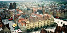 Wroclaw is bursting at the seams with cozy cafes, excellent restaurants and charming hotels. Add to that plenty of places to shop and have fun and you will quickly understand this city's exploding popularity
