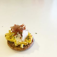 Made breakfast out of travel loots. Finnish rye hard bread topped with scrambled eggs Iberico ham & shaved Parmigiano Reggiano #goodmorning #breakfast #foodporn #travel #traveller #travelgram #wanderlust #helsinki #barcelona #food #foodphotography #foodlover #foodpics #foodstagram #foodgasm #foodstyling #fooddiary #gourmet #yummy #nomnomnom #delicious #eggs #ibericoham #parmesan #cheese #canapé by ejzoen