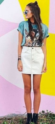 35 Gorgeous Spring Denim Skirt Outfits That Inspire - Fashionetter White Skirt Outfits, White Denim Skirt, White Mini Skirts, Denim Mini Skirt, Popular Outfits, I Love Makeup, Casual Skirts, Casual Outfits, Little Dresses
