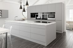 Compare of white gloss kitchen prices and get the best deal on the market. Light Grey Kitchens, White Gloss Kitchen, Black Kitchens, Kitchen Living, New Kitchen, Minimal Kitchen, Living Room, Kitchen Prices, Handleless Kitchen