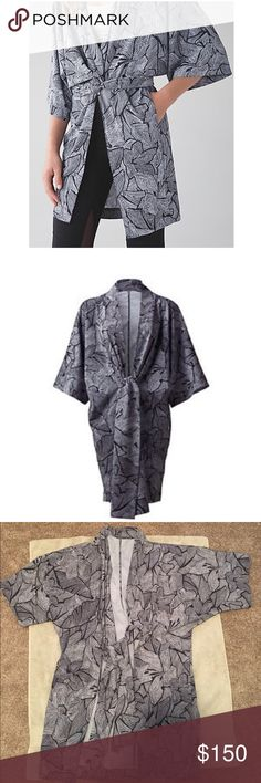 lululemon athletica yoga haven kimono A wanderlust product that's super rare!!! I wore one time. It's perfect lululemon athletica Jackets & Coats Capes