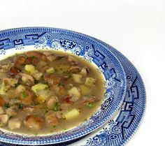 One Perfect Bite: Slovenian Mushroom Soup - Gobova Juha----This soup of mushrooms, butter, onions and potatoes would be even better with beef. Mushroom Soup Recipes, Easy Soup Recipes, Cooking Recipes, Yummy Recipes, Vegan Recipes, Yummy Food, Slovenian Food, Lithuanian Food, Eastern European Recipes