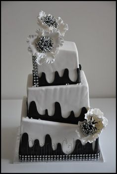 Topsy turvy square wedding - by Comper Cakes @ CakesDecor.com - cake decorating website