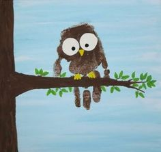 Handprint Owl Capture a childs little handprint forever by making this beautiful canvas to hang on the wall. This makes a great gift for Mothers Day or any other occasion. The post Handprint Owl was featured on Fun Family Crafts. Owl Crafts, Animal Crafts, Baby Crafts, Toddler Crafts, Santa Crafts, Projects For Kids, Art Projects, Crafts For Kids, Arts And Crafts