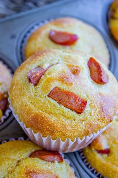 Back to School Lunch Ideas - Hot Dog Cornbread Muffins - Quick Snacks, Lunches and Homemade Lunchables - Bento Box Style Lunch for People in A Hurry - Fast Lunch Recipes to Pack Ahead - Healthy Ideas for Kids, Teens and Adults http://diyjoy.com/back-to-school-lunches