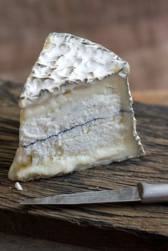 Homboldt Fog: all goat; slightly chalky blue surrounded by super creamy deliciousness. Strong.