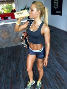 1000 images about sophia thiel on pinterest fitness fat to fit and fitness models. Black Bedroom Furniture Sets. Home Design Ideas