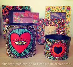 dolores pardo objetos (@vialola.tienda) | Instagram photos and videos Crafts To Make, Arts And Crafts, Paper Crafts, Diy Crafts, Painted Clay Pots, Painted Flower Pots, Doodle Boarders, Chakra Painting, Posca Art