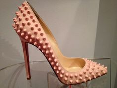 Pigalle spike baby pink