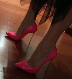 Las estrellas dicen que nosotros somos los fugaces The stars say we are the fleeting ones . #shoes #shoegame #stilettos #shoesporn #shoeselfie #shoestagram #shoesoftheday #shoeslover #shoeslovers #shoesaddict #heelstagram #heels #stiletto #heelslover #heelsoftheday #heelsaddict #highheels #highheelshoes #loveheels #loveshoes #tacones #pinkshoes #killerheels #iloveheels #iloveshoes #casadei #casadeishoes #tacchi #tacchietacchi