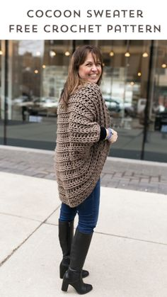 Juno Chunky Shrug Free Crochet Pattern 2019 gorgeous chunky cocoon sweater from stitch and hustle. The post Juno Chunky Shrug Free Crochet Pattern 2019 appeared first on Yarn ideas. Cardigan Au Crochet, Gilet Crochet, Chunky Crochet, Single Crochet, Knit Crochet, Crochet Shrugs, Crochet Sweaters, Crochet Blankets, Chunky Sweaters