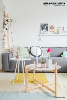 pink, mint, black-and-white pillows; two round small tables in pink and white, with pale wood touches Living Room Grey, Home Living Room, Living Room Decor, Living Spaces, Tropical Bedrooms, Black And White Pillows, Gold Bedroom, House Rooms, Interior Inspiration