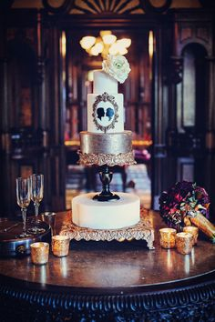Bolo de casamento vintage com detalhes: Quanto mais detalhes tiver o bolo, maior será seu preço