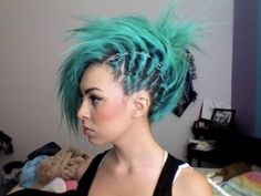 Here, we love hair! If you are a beauty artist send us a message for a free feature! Funky Hairstyles, Pretty Hairstyles, Punk, Locks, Alternative Hair, Green Hair, Aqua Hair, Pastel Hair, Turquoise Hair