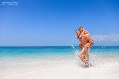 Фотосессия на Самуи. Красивая молодая пара на пляже