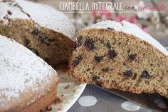 La Ciambella integrale è un dolce semplice e genuino ingolosito dalle gocce di cioccolato. A colazione o per merenda, questa ciambella sarà il dolce ideale.