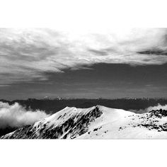 from an altitude of 2956m #solo #japanalps #tqx_Jp_landscape #snow #winter #mountain #lightandshadow #art #fineart #blackandwhite #whiteandblack #monochrome #getoutstayout #bnw #bnw_captures #bnw_life #bnw_society #bnw_landscape #thirtyfivefuckingmillimeter #35mm #richo #gr1v #kodak #trix by thequietx