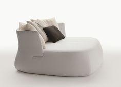 Sofa: FAT-SOFA - Collection: B&B Italia - Design: Patricia Urquiola