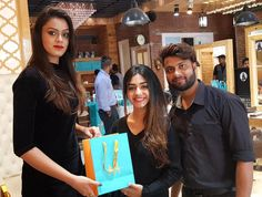Here we are with the glimpses of the styling session & Moroccanoil Experience at Sizzlin Scizzors. Best Salon, Moroccan Oil, Celebrity Beauty, Party Makeup, Jaipur, How To Look Pretty, Salons, Spa, Hairstyle