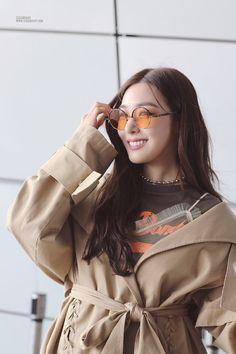 Girls' Generation Tiffany, Girl's Generation, Snsd Tiffany, Tiffany Hwang, Snsd Fashion, Korean Fashion, Kpop Girl Groups, Kpop Girls, Korean Girl Band