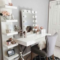 Vanity room ideas makeup vanity decor ideas vanity room decorations throughout vanity room decor ideas interior: Sala Glam, Vanity Room, Teen Vanity, Vanity Decor, Bedroom Vanities, Mirror Bedroom, Mirror Vanity, Vanity With Lighted Mirror, Dressing Table With Mirror And Lights