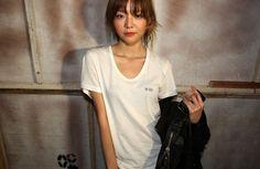 이솜 Face Images, Role Models, Korean Fashion, Fashion Models, Eye Candy, V Neck, T Shirts For Women, My Style, Celebrities