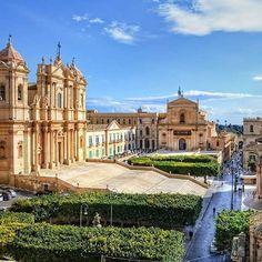 Noto, Sicily, Italy www.sognoitaliano.it