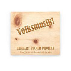 "Herbert Pixner Projekt CD ""Volksmusik!"", instrumentale Volksmusik verpackt in einer Hülle aus Zirbenholz – jetzt bei Servus am Marktplatz kaufen. Saints, Place Cards, Place Card Holders, Shopping, Packaging, Projects"