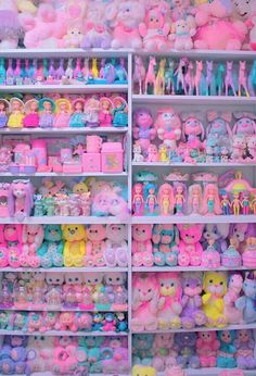 28 Ideas for vintage toys kids polly pocket Kind Und Kegel, Kawaii Bedroom, Kawaii Shop, Indie Kids, Pink Aesthetic, Kitsch, Vintage Toys, Aesthetic Wallpapers, Iphone Wallpaper