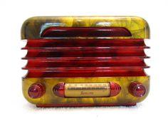 Vintage 1946 airline art deco old mid century bakelite radio quality restoration Belle Epoque, Vintage Antiques, Vintage Items, Vintage Table, Art Nouveau, Art Deco Stil, Old Time Radio, Retro Radios, Record Players