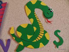 Clasa pregatitoare: Litere Alphabet Crafts, Preschool Crafts, Activities For Kids, Dinosaur Stuffed Animal, Photo And Video, Toys, Animals, Fictional Characters, Art