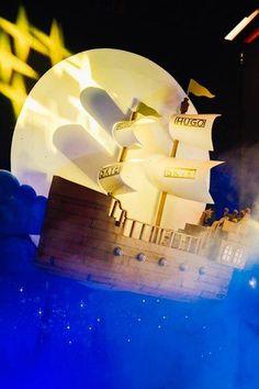 Flying Hook's Ship +