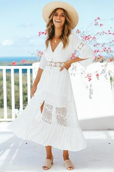 d469497942c3 V-neck lace stitching white maxi vacation dress. Abiti Lunghi Bianchi