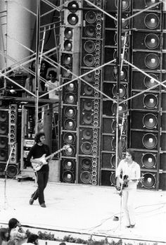 The wall of sound warrants another pin for that Grateful Dead Concert at the Hollywood Bowl - July 21 1974 Phil Lesh And Friends, Jerry Garcia Band, Mickey Hart, Bob Weir, Wall Of Sound, The Hollywood Bowl, Dead And Company, The Jam Band, Musica
