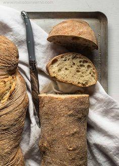 El Invitado de Invierno: pan casero sin amasado.  Si queréis hacer pan no hay mejor blog que ese para aprender!
