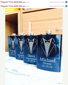 Groomsman Gifts/SET OF THREE Engraved Flasks/Personalized Flasks/Personalized Groomsmen Gift/Black Flask/Bridal Party Gifts - Alles von unserer Hochzeit - Wedding Gifts For Wedding Party, Party Gifts, Wedding Favors, Wedding Groom, Our Wedding, Dream Wedding, Wedding Ideas, Wedding Season, Bridesmaids And Groomsmen