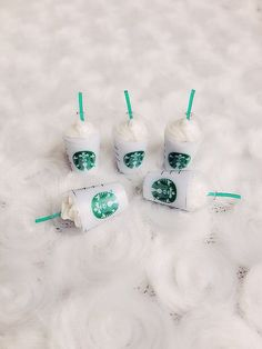 Ice Starbuck Coffee Miniature, coffee cup Starbuck Miniature,Miniature for Doll's House collection. Starbucks Strawberry, Barbie Dolls Diy, Clay Cup, Mini Craft, Cute Keychain, Tiny Food, Cute Charms, Miniture Things, Diy Clay