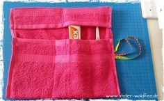 DIY Anleitung Badutensilo für unterwegs - New Ideas Diy Projects For Kids, Diy For Kids, Sewing Projects, Recycled Crafts, Diy And Crafts, Diy Vanity, Sewing Toys, Textiles, Diy Organization