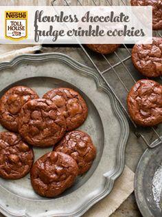 Flourless Chocolate Fudge Crinkle Cookies