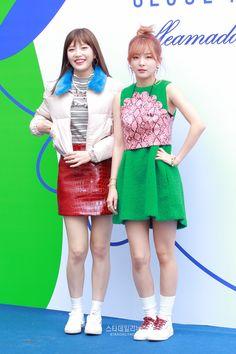 Red Velvet - Seoul Fashion Week { Seulgi & Joy }