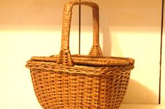 Vintage Small Woven Basket with Lid by WillODellAntiques on Etsy