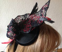 Made the fascinator on Thursday and wore it at a wedding on Friday in Chesterfield!
