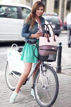 Klaudia Halejcio & O bag in the City ! We love it !