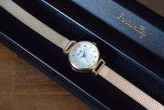 BIRTHDAY BAR - Holly watch | Anny アニー Birthday Bar, Mesh, Watches, Accessories, Wristwatches, Clocks, Fishnet, Jewelry Accessories