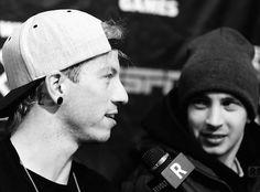 Josh n tyler Twenty One Pilots, My Name Is Blurryface, Bad Things Lyrics, Tyler Joseph Josh Dun, Joshua William Dun, Two Men, Big Hugs, Staying Alive, Best Memes