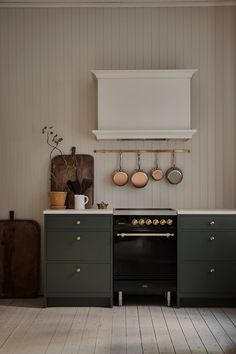 Kitchen of the Week: A pastel kitchen inspired by the Swedish artist Carl Larsson – Remodelista – rustic home interior High End Kitchens, Home Kitchens, Green Kitchen, New Kitchen, Modern Kitchen Stoves, Kitchen Ideas, Swedish Kitchen, Web Design, Nordic Design