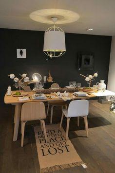 Table a manger scandinave
