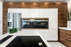 Open Plan Kitchen Living Room, Condo Kitchen, Kitchen And Bath Design, Modern Kitchen Design, Home Decor Kitchen, Home Kitchens, Kitchen Remodel, Home Design Decor, Küchen Design