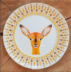 Dot Art Painting, Pottery Painting, Oh Deer, Mandala Art, Ceramic Art, Painted Rocks, Diy And Crafts, Decorative Plates, Dots